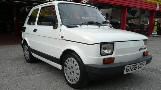 Fiat 126 with one liter Yamaha engine is a high revving monster