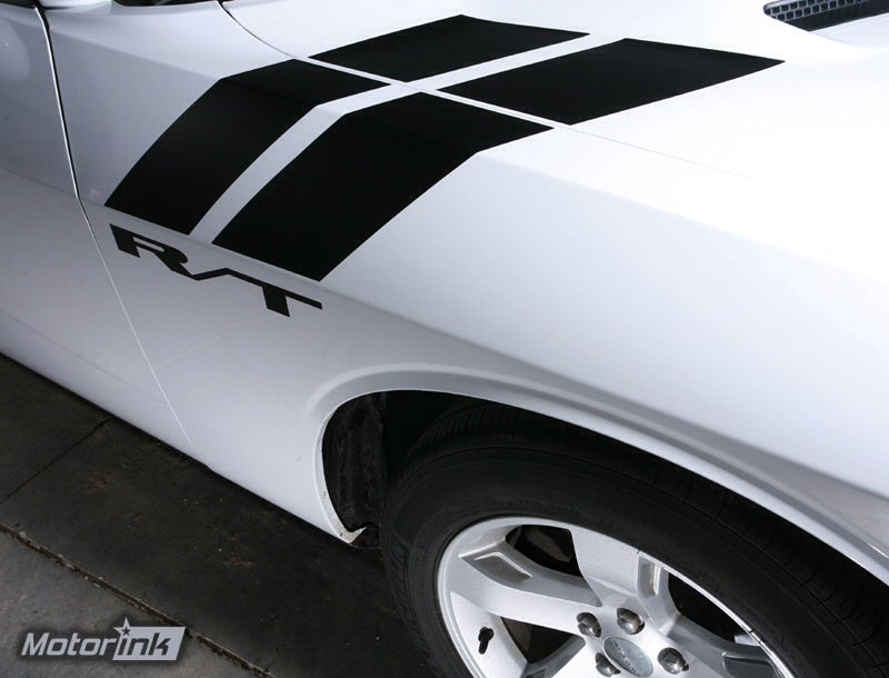 What is the origin of this stripe pattern?