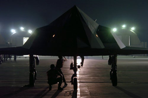 F 117 Nighthawk At Night Why Is The 'Retired' F...