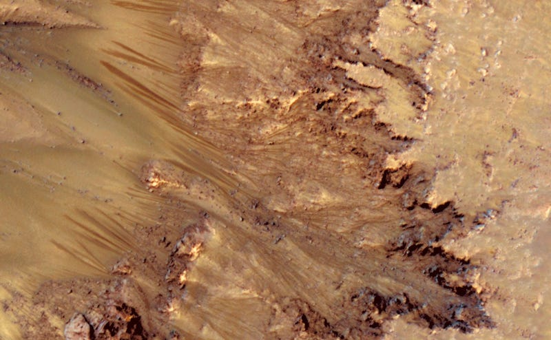 Scientists find evidence of liquid water on the surface of Mars