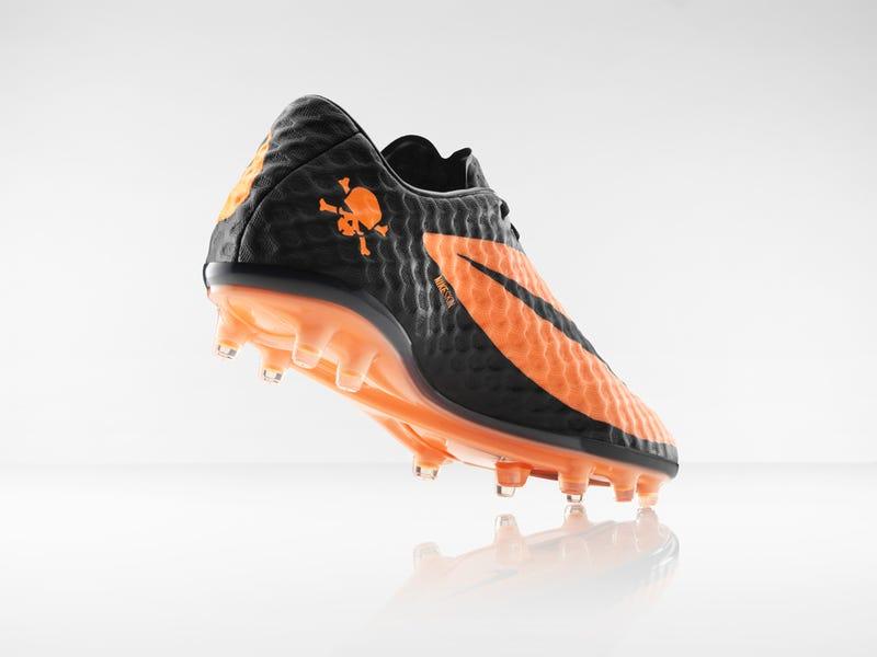 Nike Hypervenom: It's Like Playing Soccer Barefoot