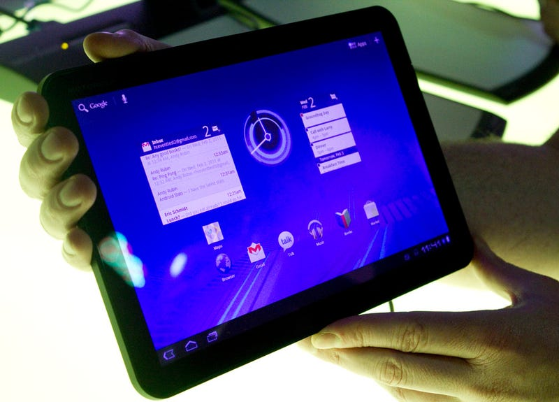 Using Google's Android 3.0 Tablet, the First Real iPad Fighter