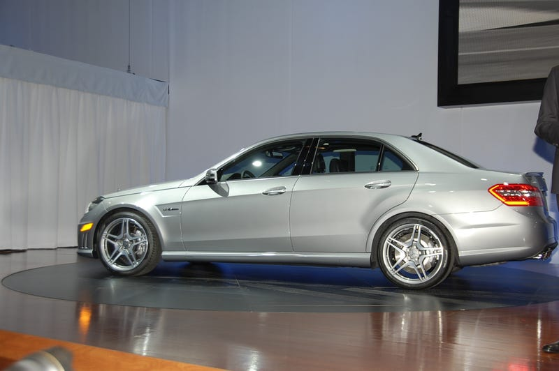 Mercedes E63 AMG: 518 HP Hammers Out 186 MPH Top Speed