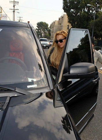 Lindsay Lohan Damages New Range Rover