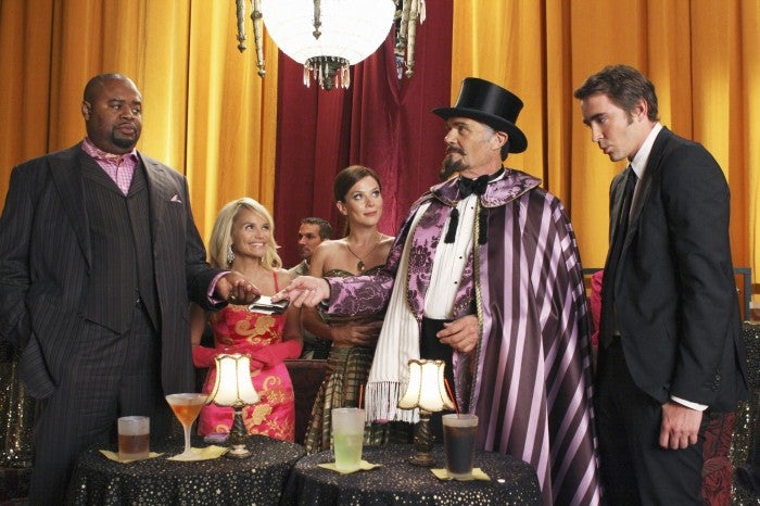 Smallville's Big Wedding Day, Plus A Must-See Stargate Atlantis