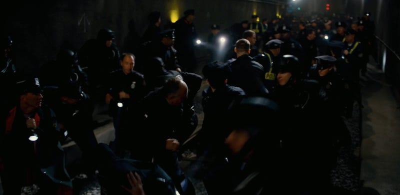 We break down the new Dark Knight Rises trailer, screencap by screencap
