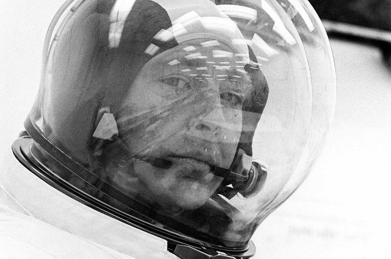 RIP Astronaut Edgar Mitchell, The Final Person In Apollo 14
