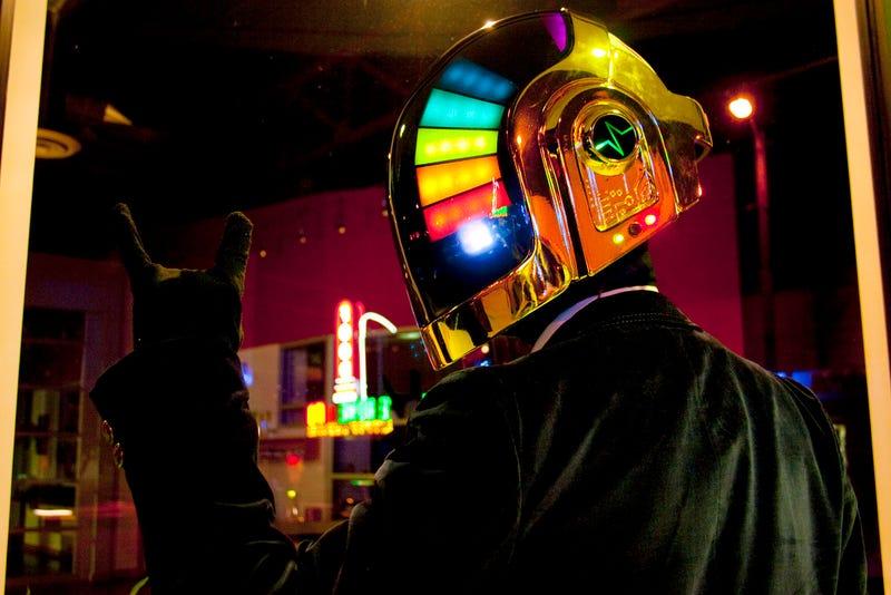 Dazzling Daft Punk Helmet Made From Scratch