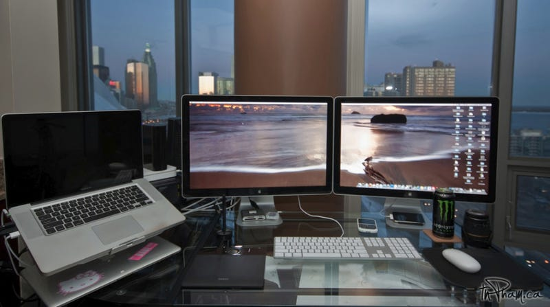 Dual Displays and Sparkling Skylines