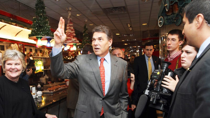 What a Rick Perry Comeback Strategy Won't Look Like