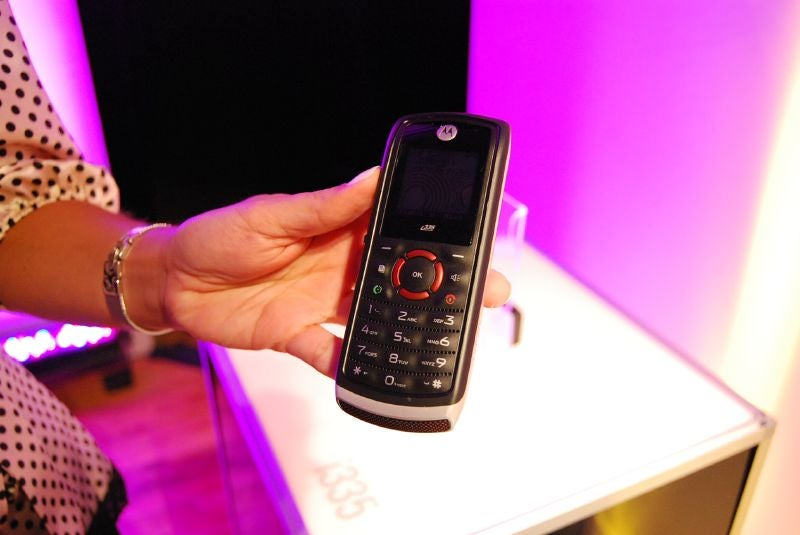 Motorola Shows Off Cheap Sexy Still-Unannounced i335 for Nextel