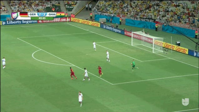 German Keeper Manuel Neuer Spazzes Out, Recovers Nicely