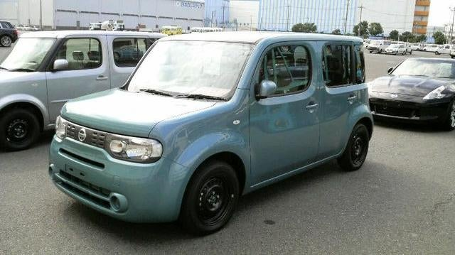 2010 Nissan Cube Gets Accidental Unveil On Japanese Transport Truck