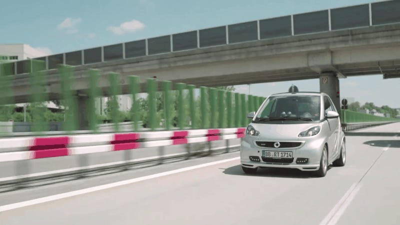 Smart Pranks Everyone With Massively Ginormous New Smart Car