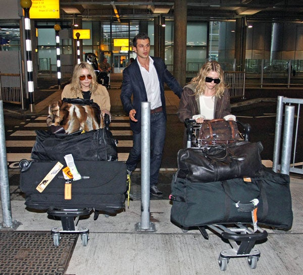 The Olsen Twins Take Home Excess Baggage