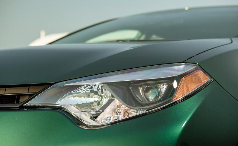Little rant on the new Corolla's headlights