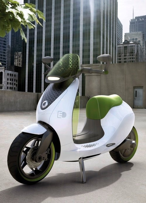 Smart escooter: Like A ForTwo, Only More Uncomfortable