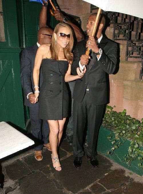 Newlywed Nick Lets Mariah Stand Under His Umbrella Ella Ella