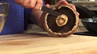 Here's The Right Way to Prepare Portobello Mushrooms