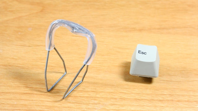 Make a DIY Keycap Puller Out of Two Paper Clips