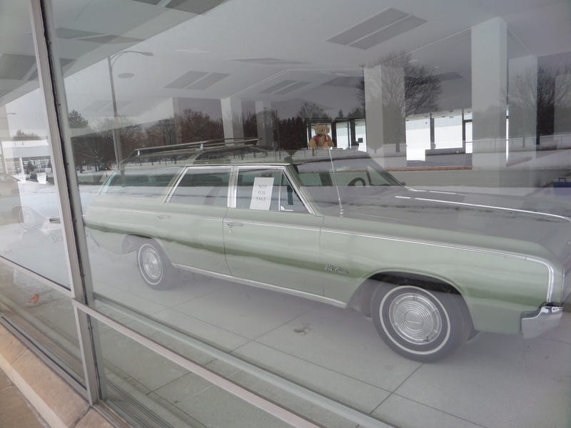 There's A Mysterious Oldsmobile Museum At An Old Lansing Dealership