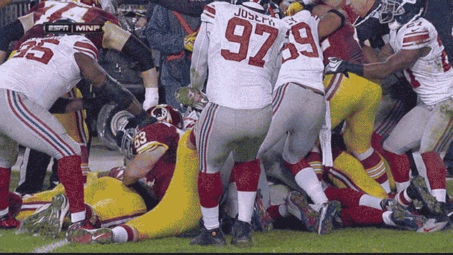 Giants Lineman Sean Locklear Used To Have A Right Knee: Giants-Redskins In Four GIFs