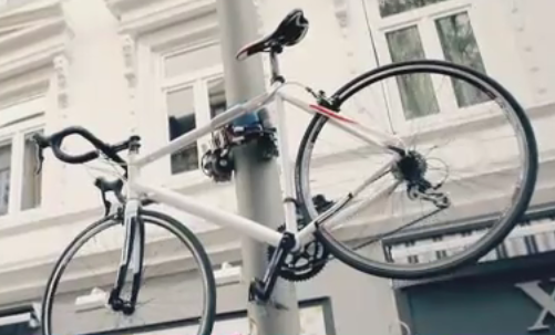 A Bike Lock That Can Climb Up A Lamp Post