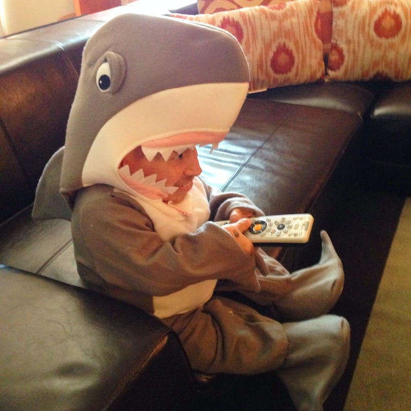 No One Likes Shark Week As Much As Verne Troyer