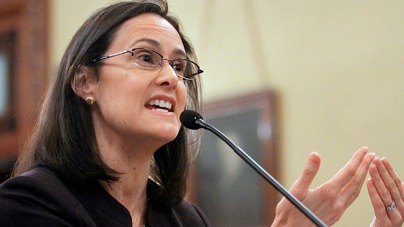 Some Idiot Asks Illinois Attn. Gen. Lisa Madigan Three Times If She Can Be a Mom and Be Governor at the Same Time