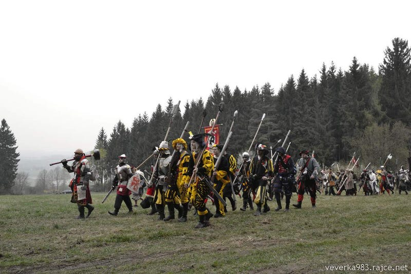 Fans Bring Warhammer To Life On A Battlefield