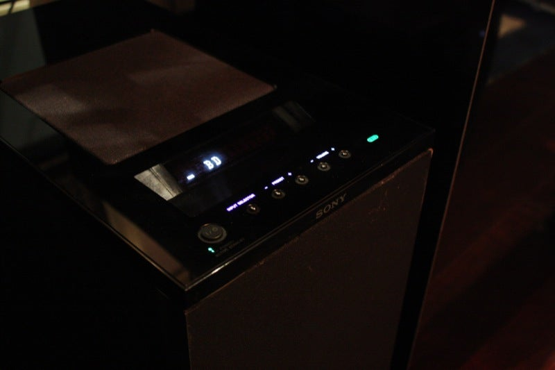 Sony HT-IS100 Tiny Hi-Def Speakers Look Delicious