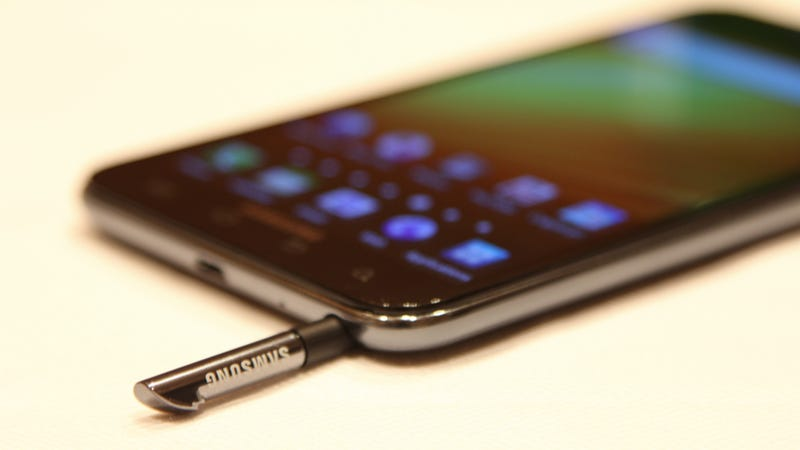 The Hand-Stretching Samsung Galaxy Note Finds an LTE Home at AT&T