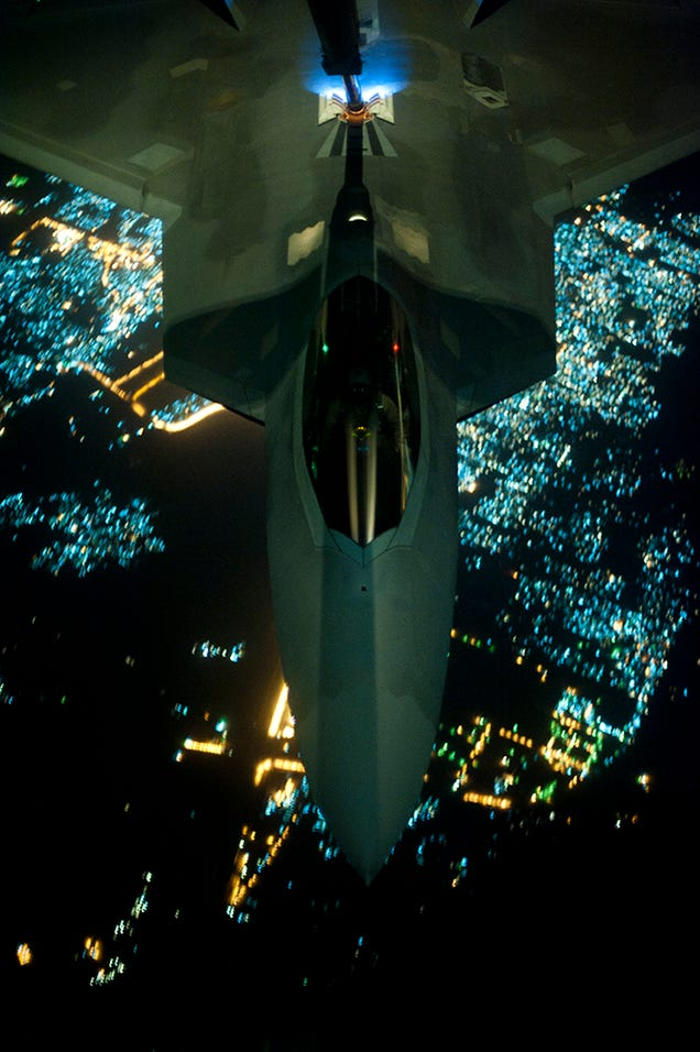 F-22 Reabasteciendo dirigiendose a atacar ISIS W8gjgvurzdx7nb2o2quk