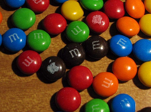 M&Ms: Apple Logo Melts in Your Mouth