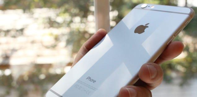 Apple patenta un sistema que enseña a los móviles a caer sin dañarse