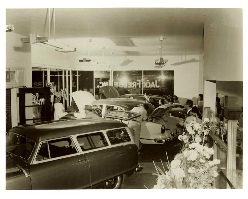 Glory Days: Vintage, Pre-Carpocalypse Auto Dealerships