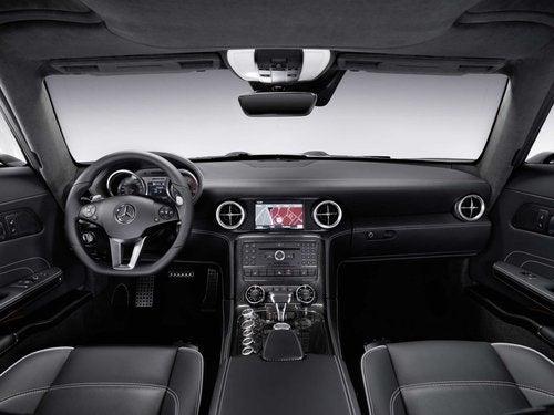 2010 Mercedes SLS AMG: Interior