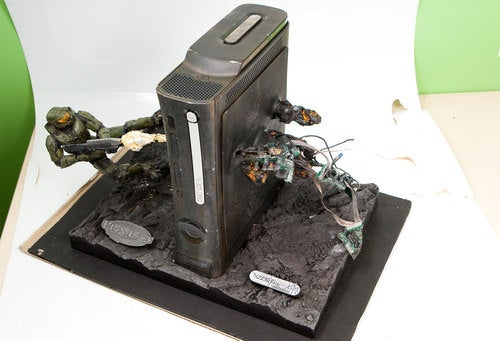 Master Chief Frags Xbox 360 In Epic Case Mod