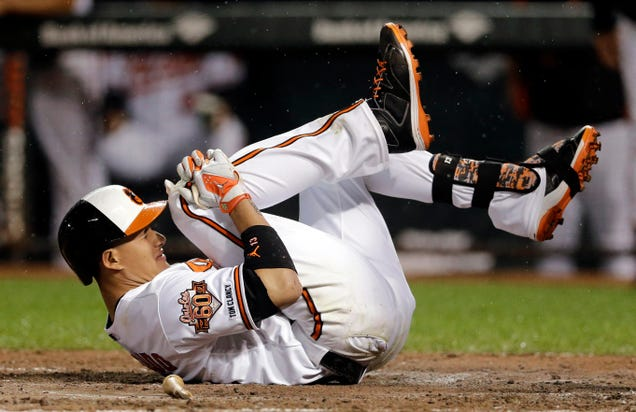 "Manny Machado ""only"" has a knee ligament sprain, whic…"