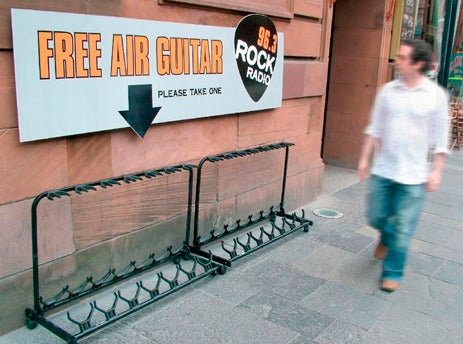 Dealzmodo: Free Air Guitars