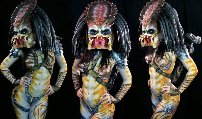 This sexy Predator costume may fill you with complex emotions (NSFW)
