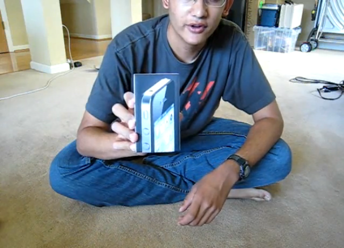 iPhone 4 Unboxing Video