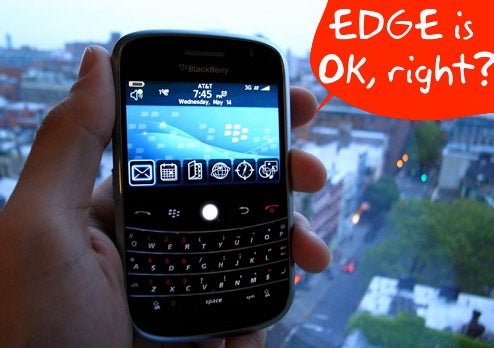 BlackBerry Bold Plagued by Same 3G Problems as iPhone