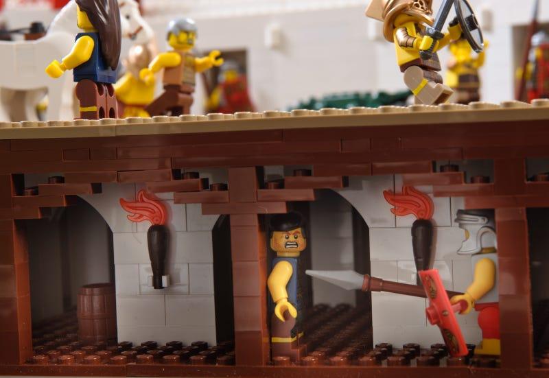 Massive 200,000-Piece Roman Colosseum Is the Most Impressive Lego Architecture Model I've Ever Seen