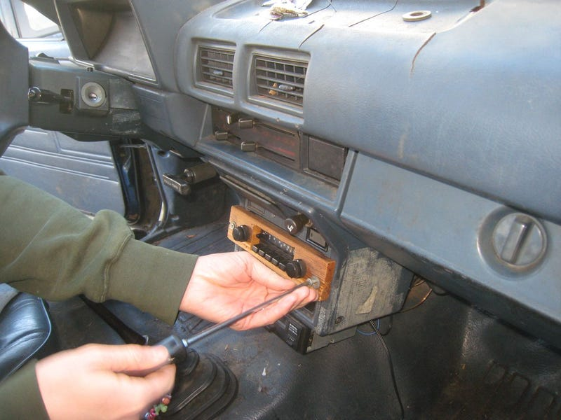 Connect An iPod To Your Beater's Theft-Deterring Radio With A Wired FM Modulator