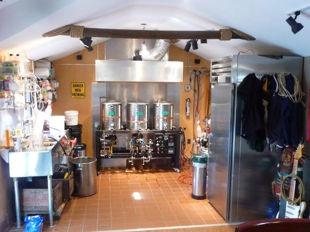 The home brewing laboratory of every beer drinker 39 s dreams for Lab homes
