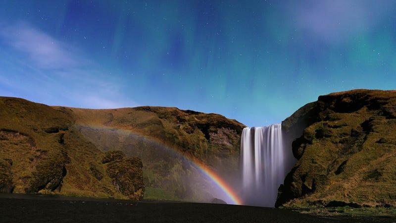 Feast your eyes on a rare lunar rainbow — against the Northern Lights!