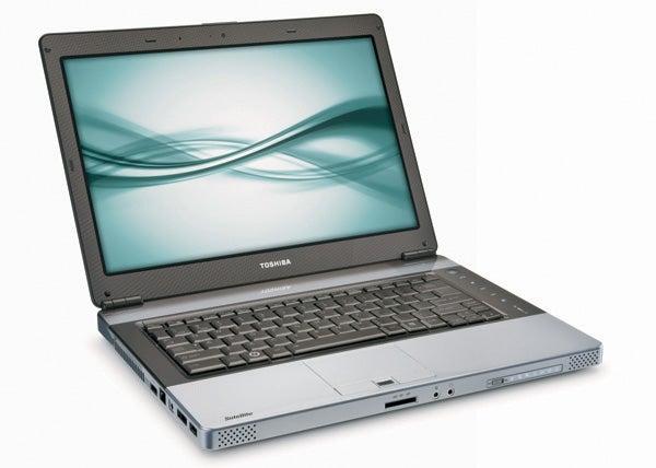 Toshiba Satellite E105 Is a Big Fan of the MacBook Pro