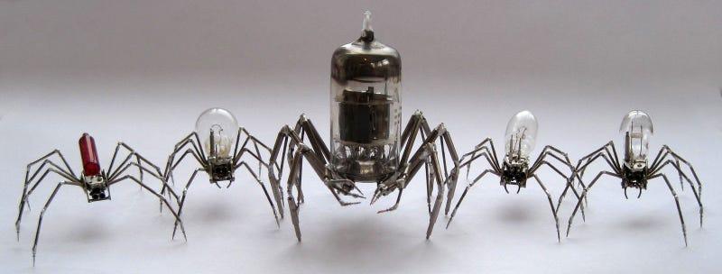 Estos increíbles insectos hechos con relojes parecen vivos
