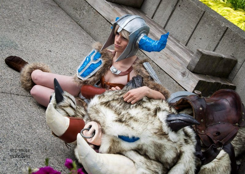 League of Legends Cosplay That's so Good it Doesn't Look Human